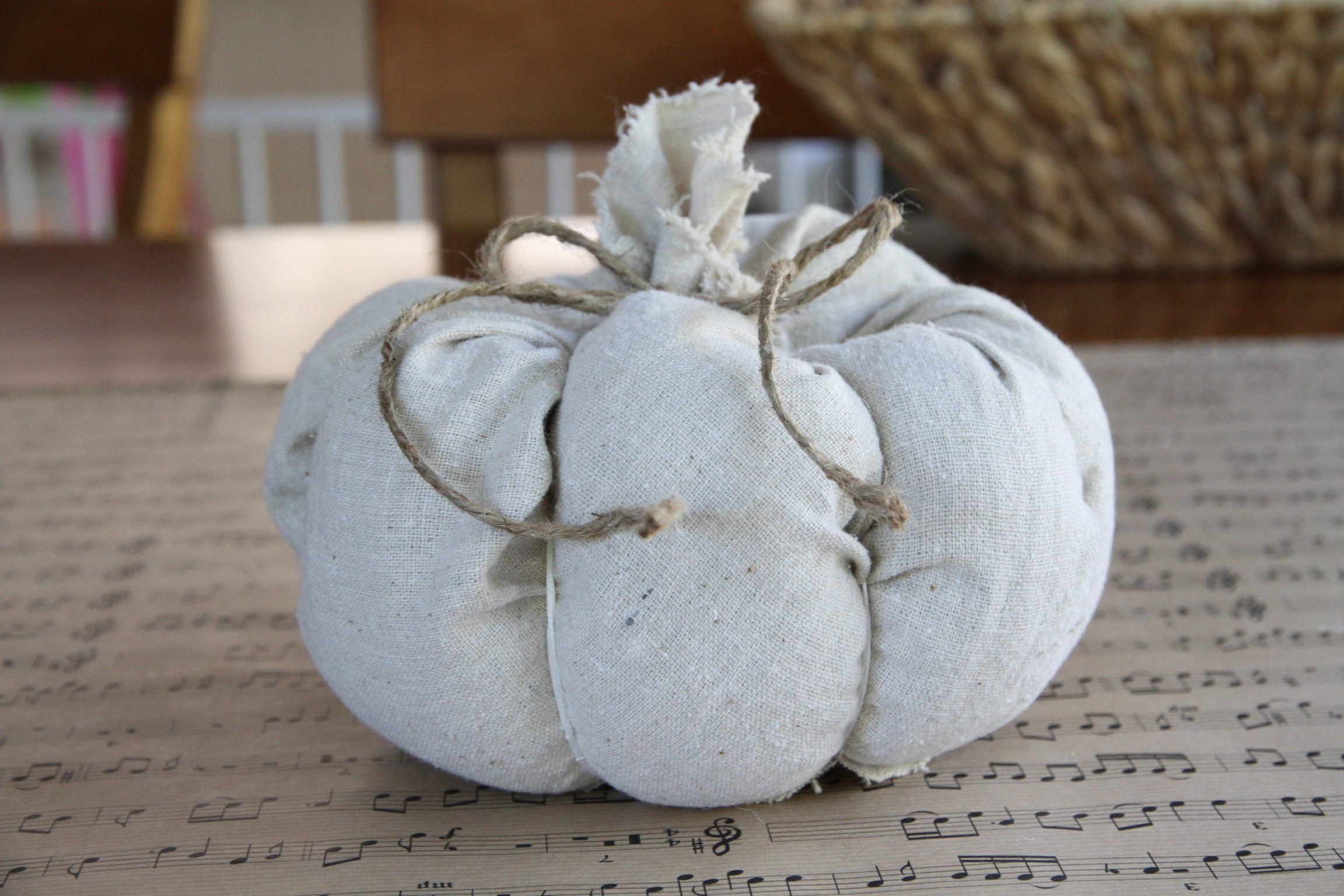 Linen Pumpkin – Fall DIY Decor