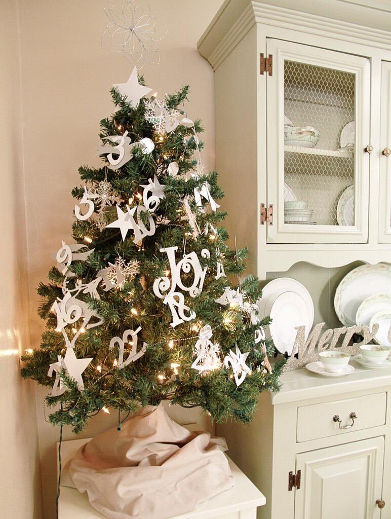 DIY Christmas Post – Christmas Countdown Tree