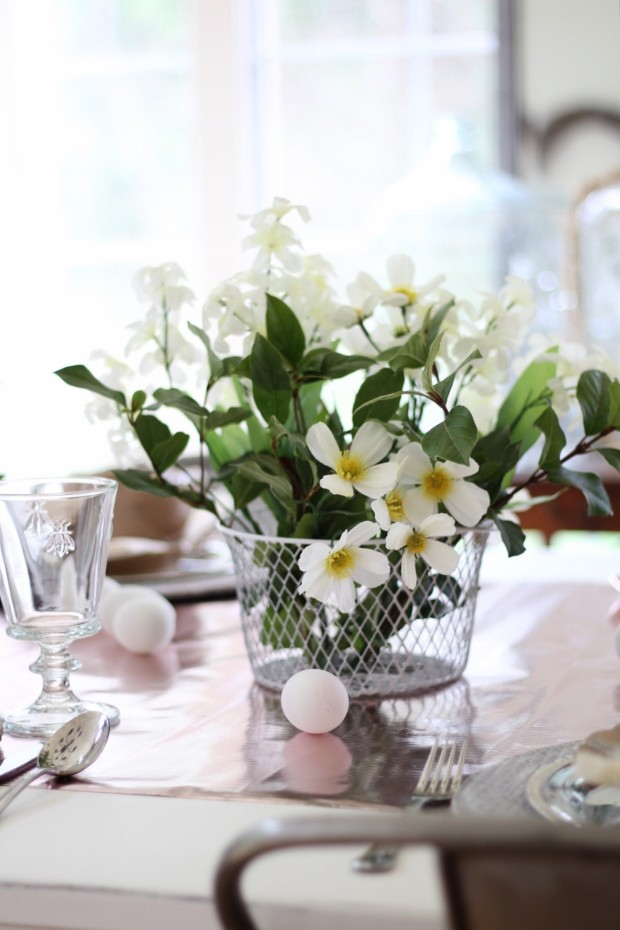 Budget Easter Table Setting