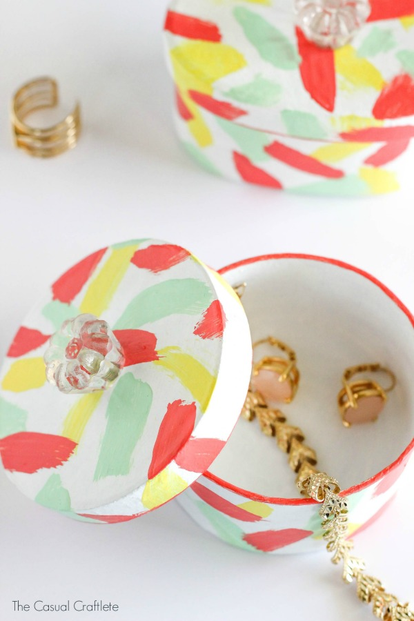 DIY-Mini-Paper-Mache-Trinket-Boxes-for-Mothers-Day