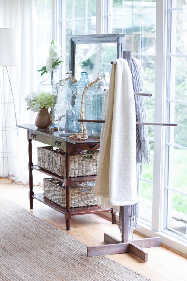 BlanketStand