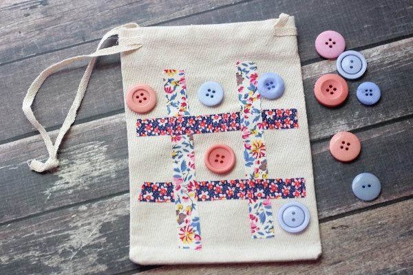 tic-tac-toe-travel-game-bag