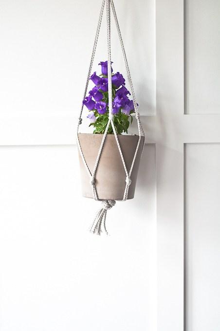 Easy-Macrame-Plant-Hanger-36