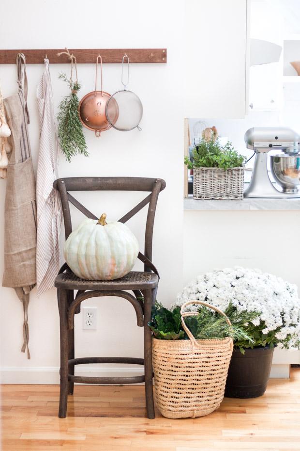 diy-painted-heirloom-pumpkin