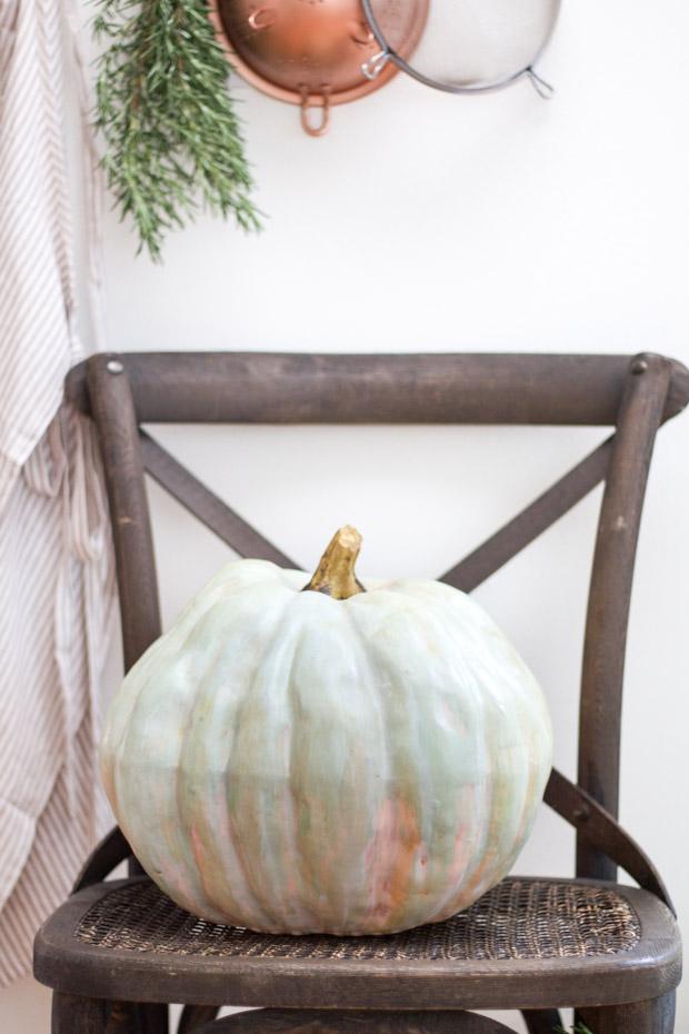 diy-painted-heirloom-pumpkin4