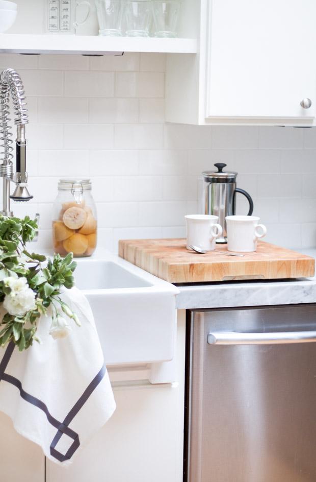 DIY Ribbon Trimmed Kitchen Towel 18