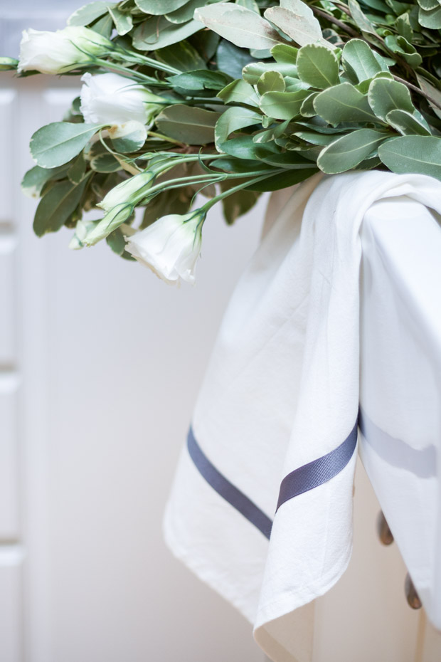 DIY Ribbon Trimmed Kitchen Towel 28