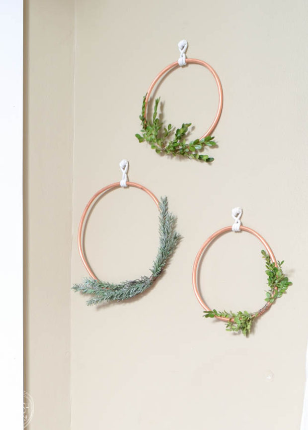 diy-copper-christmas-wreath-with-boxwood-and-evergreen-7