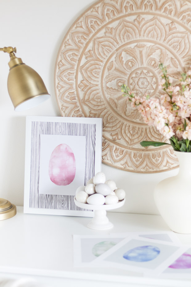 The Easter egg printable on the desk.