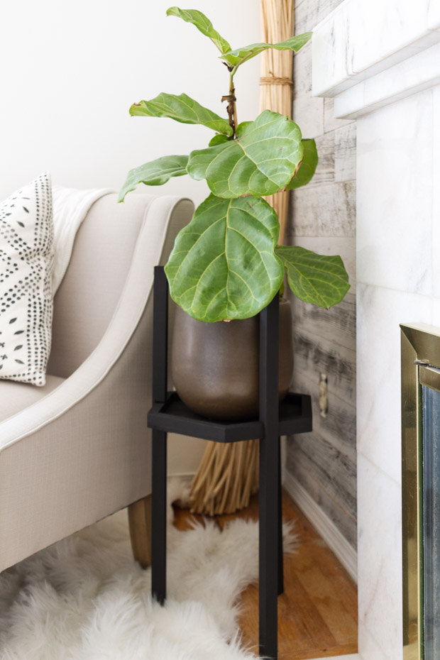 ... Each Minute. Of Course I Had To Drop In With This Summer Project That I  Have Been Working On For A Bit Now Though Too! It Is This Easy DIY Plant  Stand.