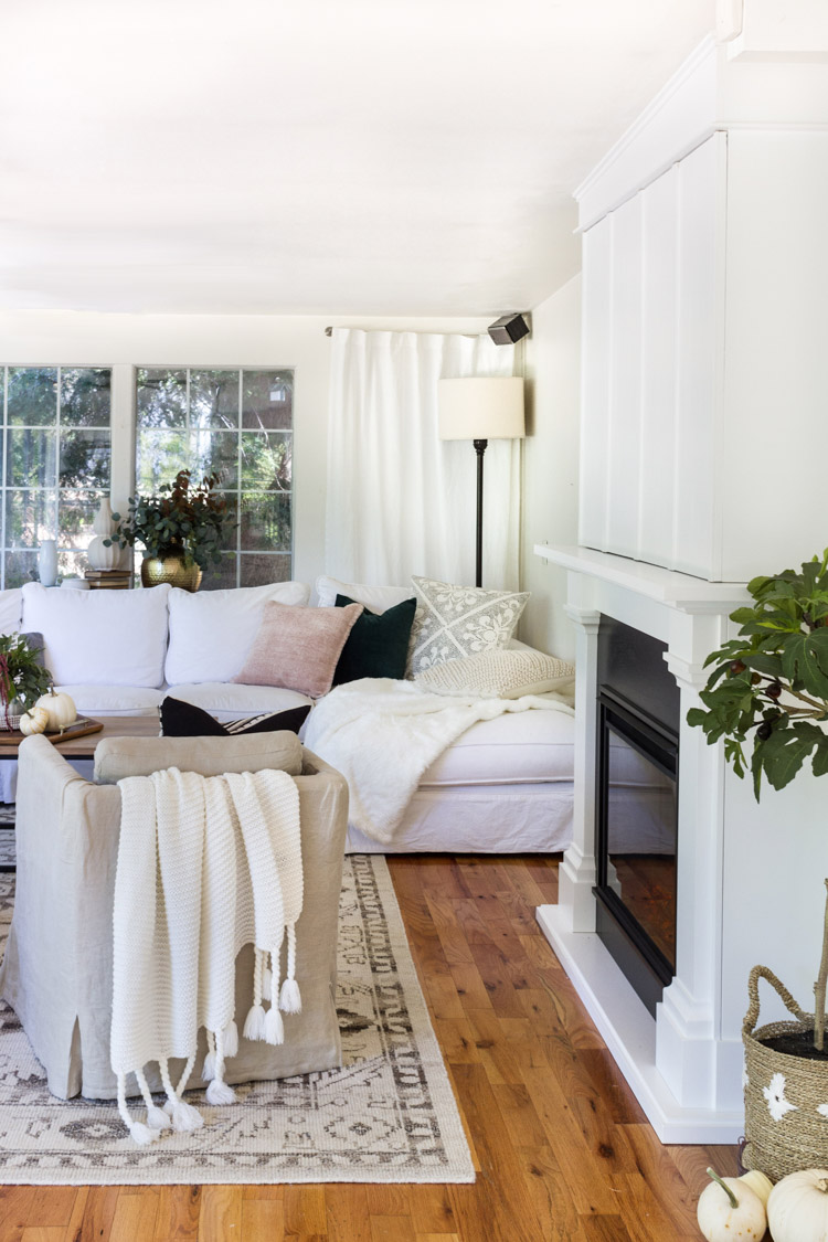 A Cozy and Inviting Family Room with Touches of Fall - zevy joy