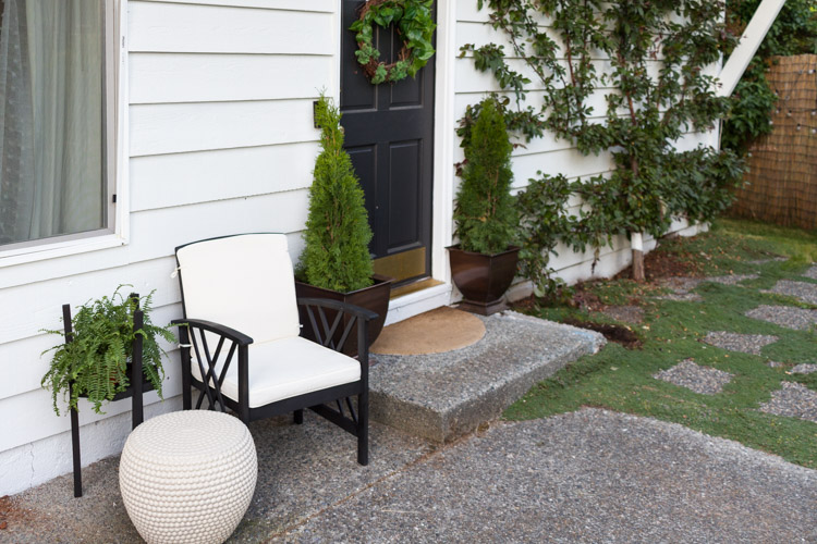 Updating Your Outdoor Furniture With Paint