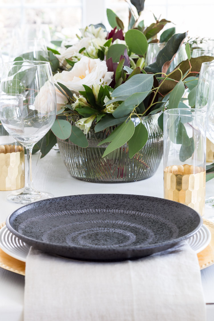 Elegant and Neutral Christmas Tablescape