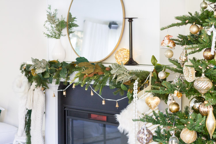 A simple Christmas Mantel - Mystery Box Creative Challenge 3