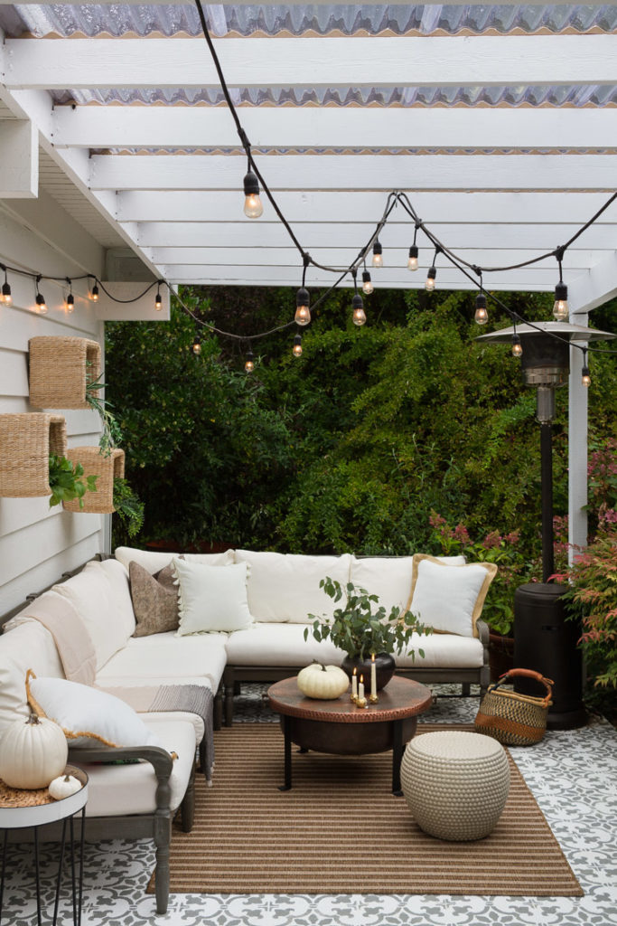 Cozy And Neutral Patio Set For Fall Zevy Joy
