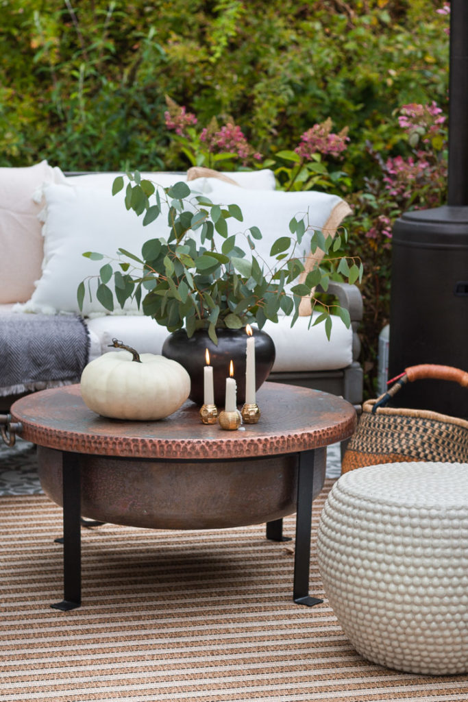 Cozy and Neutral Patio Set For Fall