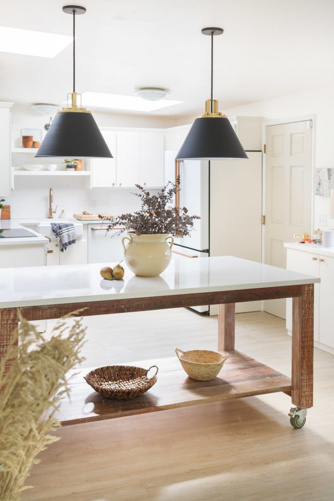 Neutral touches of fall in the kitchen